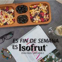 ¡Llegó el viernes!  Deja atrás la semana y relájate con lo natural que te entrega Isofrut. Un brindis y un rico picoteo de frutas. ¿Qué mejor?