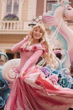 Disney Cosplay at its best! Sora at Disney World! Disney Day, Disney Theme, Cute Disney, Disney Parks, Walt Disney World, Disney Pixar, Disney Magic, Aurora Disney, Disney Fairies