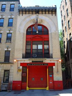 E067 FDNY Firehouse Engine 67, Washington Heights, New York City by jag9889, via Flickr shared by NYC Firestore