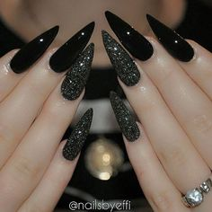 Best Black Stiletto Nails Designs For Your Halloween Black nails; Best Black Stiletto Nails Designs For Your Halloween Black nails; black and w Black Stiletto Nails, Dark Nails, Long Nails, Black Glitter Nails, Long Black Nails, Pointy Black Nails, Black Coffin Nails, Black White Nails, Gold Glitter