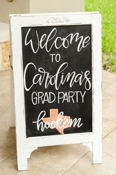 Graduation Signs Discover Sweet Summer Grad Party in Austin Texas Mint Event Design Each year the end of the school year seems to go by in a blur. But this year has been especially crazy for our family. Our oldest child graduated from high school Grad Party Decorations, Graduation Party Centerpieces, Graduation Party Planning, Graduation Ideas, Graduation Celebration, College Graduation, Graduation Gifts, Austin Texas, Chalkboard Welcome Signs