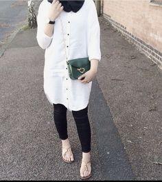 Black and white ♥ Modest Fashion Hijab, Casual Hijab Outfit, Hijab Chic, Hijab Dress, Abaya Fashion, Fashion Outfits, Islamic Fashion, Muslim Fashion, Modele Hijab
