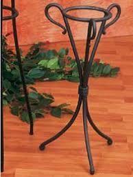 Risultati immagini per oggetti in ferro battuto