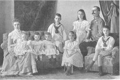Archduchess Marie Valerie and Archduke Franz Salvator with seven of their children.