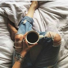 Look de todos os dias : jeans ! #domingo #dbzjeans #chicmodasnew by chicmodas_ http://ift.tt/1VoD2k3