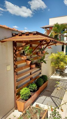 Adorable 50 Amazing Vertical Garden Design Ideas and Remodel Coach Deco … - Diy Garden Projects Vertical Garden Design, Vertical Gardens, Small Garden Design, Backyard Patio, Backyard Landscaping, Landscaping Ideas, Pergola Patio, Jardim Vertical Diy, Design Jardin