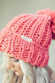 http://www.fashiontrendstoday.com/category/beanie/ Chunky Knit Pom Beanie