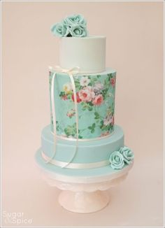 'Bella' Wedding cake - Cake by Sugargourmande Lou - CakesDecor