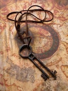 Key to Davy Jones Chest Antique Keys, Vintage Keys, Or Antique, Antique Hardware, Under Lock And Key, Key Lock, Old Keys, Shaun Tan, Pirate Life