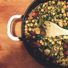 Chicken chickpea chorizo and couscous, an almost one pan meal that is a definite family pleaser Chicken Couscous, Chicken Chickpea, Chicken Chorizo, Healthy Chicken Recipes, Healthy Snacks, Healthy Eating, Healthy Dishes, Healthy Kids, Veggie Recipes