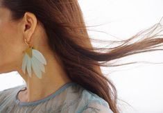 Soft pastel colors! Statement Earrings, Drop Earrings, White Shirt And Jeans, Blue Feather, Pastel Colors, Light Blue, Metal, Gold, Jewelry