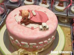 Polka dots and stripes baby girl shower cake — Baby Shower