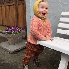 Oh, happy day! #ohhappyday #klarforsommer #babyknits #knits #knitting #knittersofinstagram #strikking #strikk #strikkemamma #strikkedebabydrømme #snoningstrøje #snoninger #picklesgarn #picklesyarn #picklesextrafinemerino #cablesweater #garn #yarn
