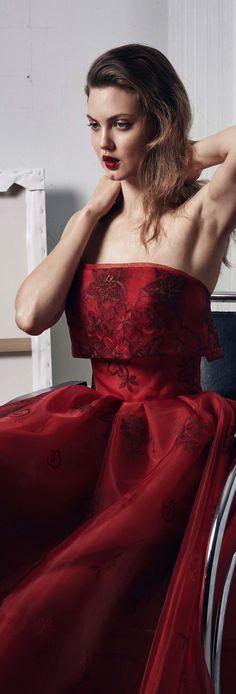 Diva Fashion, Red Fashion, Colorful Fashion, Runway Fashion, Fashion Models, Fashion Design, Marsala, Casual Elegant Style, Zac Posen