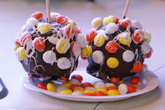 M's White Chocolate Candy Corn candy apples