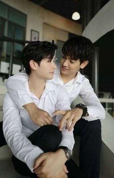 My Little Fandom Shire 2moons The Series, Drama Series, Cute Gay Couples, Cute Couples Goals, 2 Moons, Couple Aesthetic, One Republic, Thai Drama, Boys Like