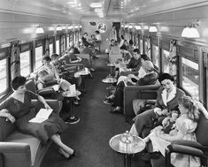 vintage everyday: Lounge Car aboard a Union Pacific Streamliner in the When train travel was pleasant & glamorous. Train Car, Train Rides, Train Travel, Vintage Prints, Vintage Designs, Locomotive, Orient Express Train, Old Photos, Vintage Photos