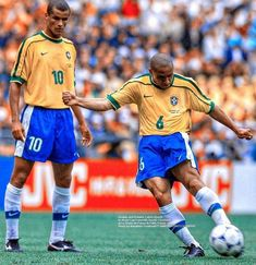 Best Football Players, Football Soccer, Sports Pictures, Lionel Messi, Ronaldo, Real Madrid, World Cup, Brazil, Legends