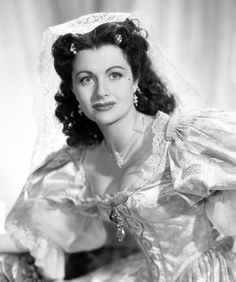 Remembering English actress MARGARET LOCKWOOD (1916 – 1990), who was born on September 15th. She is remembered for her performances in the 1940s Gainsborough melodramas such as The Man in Grey, Love Story and The Wicked Lady. Lockwood entered films in 1934, and in 1935 she appeared in the film version of Lorna Doone.
