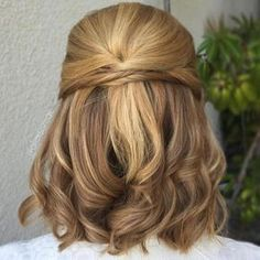 40 Diverse Homecoming Hairstyles for Short, Medium and Long Hair . - 40 Diverse Homecoming Hairstyles for Short, Medium and Long Hair - Prom Hairstyles For Short Hair, Curls For Long Hair, Short Hair Updo, Short Wedding Hair, Diy Hairstyles, Wedding Hairstyles, Curls Hair, Updo Curls, Dress Wedding
