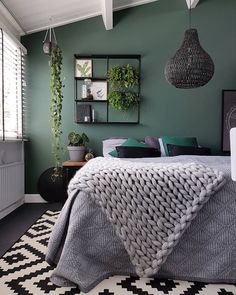 Extraordinary christian grey bedroom ideas that will impress you Bedroom ideas Grey Bedroom Ideas – from the super glam to the ultra modern - Shopy Homes Grey Green Bedrooms, Green Bedroom Walls, Accent Wall Bedroom, Green Rooms, Gray Bedroom, Trendy Bedroom, Bedroom Inspo, Home Decor Bedroom, Green Bedroom Colors