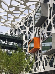 ALIBABA HEADQUARTERS CHINA - HASSELL's new Alibaba Headquarters is a benchmark for the modern workplace in China. It's 150,000 square metres of flexible open plan office space within a campus style layout.