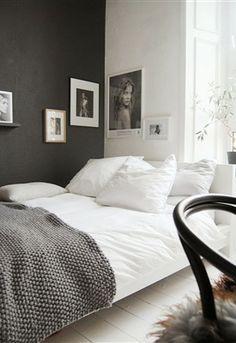 The dark side (husligheter) kesh nordic bedroom, black white bedrooms, styl Nordic Bedroom, Home Bedroom, Bedroom Wall, Bedroom Decor, Master Bedroom, Bedroom Furniture, Bedroom Lighting, Bedroom Apartment, Black Furniture