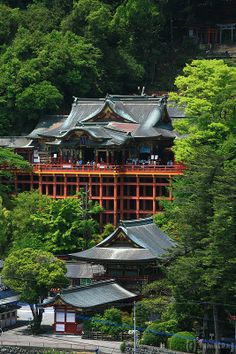 Yutoku Inari Shrine,Kashima city, Saga prefecture, Japan. Photo by tomosang on Flickr.   「祐徳稲荷神社」 佐賀県鹿島市古枝下古枝