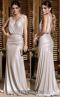 Vestido de f Beautiful Dresses, Nice Dresses, Girls Dresses, Prom Dresses, Dresses With Sleeves, Formal Evening Dresses, Evening Gowns, Couture Dresses, Fashion Dresses