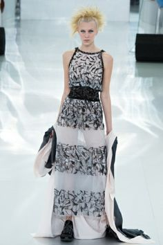 Sfilata Chanel Paris -  Alta Moda Primavera Estate 2014 - Vogue