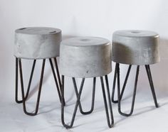 Banco realizado con sobrantes de obras. Hormigon y varillas de hierro. Concrete Stool, Concrete Furniture, Small Furniture, Concrete Countertops, Diy Furniture, Beton Design, Concrete Design, Concrete Crafts, Concrete Projects