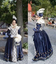 blue and white renaissance dress gown Mode Renaissance, Renaissance Costume, Medieval Costume, Renaissance Clothing, Renaissance Fashion, Medieval Dress, Tudor Costumes, Period Costumes, Historical Costume