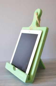 Wood Cutting Board Cookbook & iPad Stand  ♥ #kitchen #recipes