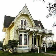 BEAUTIFUL VICTORIAN  -  Pinned 8-14-2017.