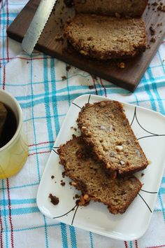 Applesauce Bread with walnuts @stephiecooks
