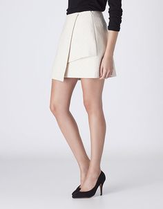Catálogo Blanco para mujer 2015 falda asimetrica Mini Skirts, Dresses For Work, Street Style, Clothes, Shopping, Fashion, Templates, Short Skirts, Fashion Clothes