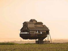 ukrainian-floating-castle #arquitetura #architecture #design #building #construção #casa #house