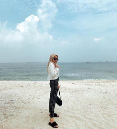 Modern Hijab Fashion, Street Hijab Fashion, Hijab Fashion Inspiration, Muslim Fashion, Casual Hijab Outfit, Ootd Hijab, Hijab Chic, Casual Outfits, Fashion Outfits