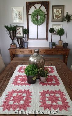 $42 Antique 1880s Double Pink Star Crib or Table Quilt 33x21 Great Decorating Piece! www.Vintageblessings.com Antique Quilts, Vintage Quilts, Quilt Display, Quilts For Sale, Display Ideas, Shag Rug, Antiques, Table, Ebay