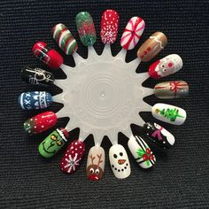 Christmas Wheel designs by Mrs. French Tips Christmas Wheel designs by Mrs. French Tips Xmas Nail Art, Christmas Gel Nails, Christmas Nail Art Designs, Holiday Nails, Christmas Makeup, Cute Nails, Pretty Nails, Kylie Nails, Nail Art Wheel
