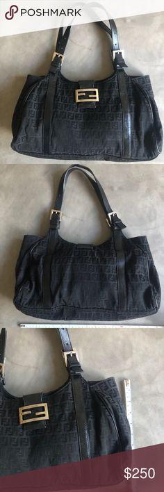 FENDI Beautiful Vintage Authentic Shoulder Bag Beautiful classic vintage  Fendi. This bag will always be 8c46dbc0ea8b8