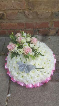 Massed funeral posy #bellasphotos #bellasblooms #funeralflowers #funeraltribute #funeral #flowers #tribute #funeraltributes #bellasphotos #bellasblooms #funeralflowers #coffinspray #bellasphotos #bellasblooms www.bellasblooms.co.uk