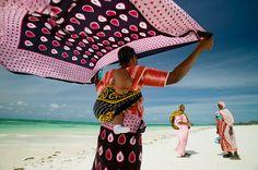 Jambiani beach, women, Zanzibar Island, Tanzania