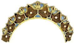 A Rene Lalique necklace that can also be worn as a tiara.