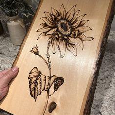 Wood Burning Stencils, Wood Burning Tool, Wood Burning Crafts, Wood Burning Patterns, Wood Patterns, Wood Crafts, Diy Crafts, Burning Flowers, Wood Burning Techniques