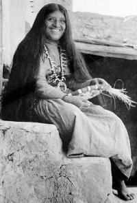 A Hopi Native American woman in 1900 http://americanindianoriginals.com/Native-American-Culture.html