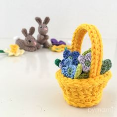 Easter basket with flowers – Bymami Free Crochet, Crochet Baby, Easter Crochet, Chrochet, Easter Baskets, Crochet Patterns, Holiday, Flowers, Inspiration
