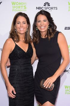 Julie Foudy and softbal player Jessica Mendoza Jessica Mendoza, Stanford Cardinal, Sports Awards, Softball Players, The Outfield, American Sports, Sports Women, October 15, Wall Street