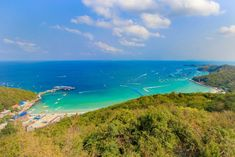 Koh Larn – Island Paradise near Pattaya  Koh Larn, sometimes written as Ko Lan and better known as Coral Island, is a small island located right in front of Pattaya. With its beautiful beaches and an unbelievable turquoise blue sea, this tiny island is a real paradise on the East Coast of Thailand. Indeed, [...] Der Beitrag Koh Larn – Island Paradise near Pattaya erschien zuerst auf PlacesofJuma.