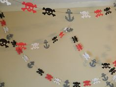 Pirate Party décorations / 10 ft papier Mini Pirate Garland / crânes et ancres Garland / Pirate décorations d'anniversaire / Pirate Party